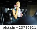 女性 ランニングマシン 23780921