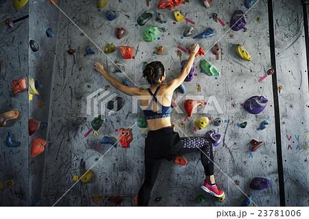 女性 ボルダリング 23781006