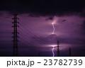 夜の落雷と送電線 23782739