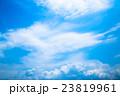 真夏の空 梅雨明けの空 雲 コピースペース 広いコピースペース 汎用的な空 23819961