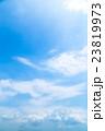 真夏の空 梅雨明けの空 雲 コピースペース 広いコピースペース 汎用的な空 23819973