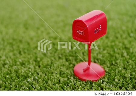 ポスト、POST、雑貨、外国風、郵便、年賀、正月、配送、配達、通販、発送、赤、イメージ、人無し、 23853454