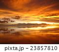 ウユニ塩湖の夕焼け 23857810