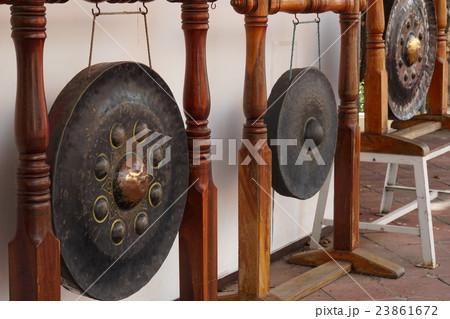 ワット・プラパトムチェディの鐘(Bell in Wat Pathommachedi)の写真素材 [23861672] - PIXTA