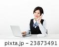 ビジネスウーマン 電話 女性 23873491