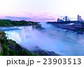 ナイアガラの滝 23903513