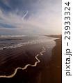 九十九里浜の波打ち際 23933324