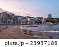 【静岡県】熱海・ホテル街とサンビーチの夕暮れ 23937188