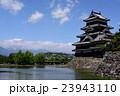 国宝 松本城と常念岳 23943110