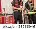 南米ペルー音楽の楽器 ケーナを吹くペルー人 23966946