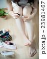 ビューティー メイク 女性 23981467