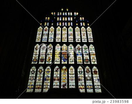 イギリス国会議事堂のステンドグラス2 23983598
