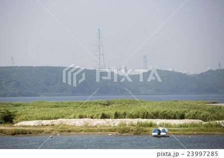 青森県六ケ所村 尾駮沼と原子燃料サイクル施設 23997285
