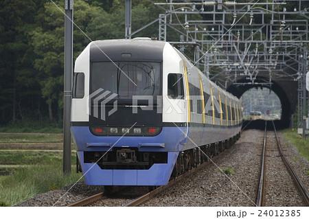 先行列車遅延により停車する特急しおさい号の写真素材 [24012385] - PIXTA