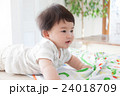 赤ちゃん 男の子 人物の写真 24018709