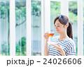若い女性(紅茶) 24026606