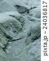 砂に残る雨の跡 24036817