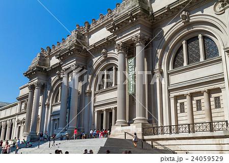 メトロポリタン美術館 24059529