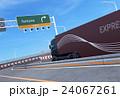 トラック 高速道路 トレーラーのイラスト 24067261
