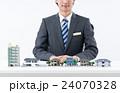 不動産 ビジネスマン 住宅の写真 24070328