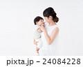 母子 親子 赤ちゃんの写真 24084228