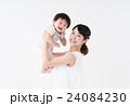 母子 赤ちゃん 母親の写真 24084230