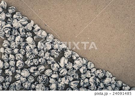 たくさんのゴミ 24091485