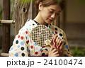 人物 日本人 女性の写真 24100474