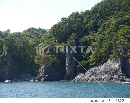 ローソク岩 24108224