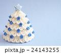 白いクリスマスツリー 24143255