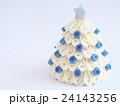 白いクリスマスツリー 24143256