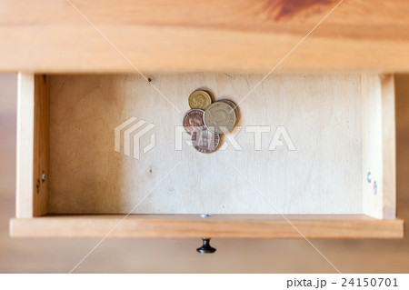 few Swedish coins in open drawerの写真素材 [24150701] - PIXTA