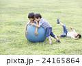 3兄弟ボール遊び 24165864