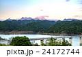 赤く染まる夕張岳 シューパロ湖 (夕張市) 24172744