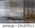 雨 道 路面の写真 24187011