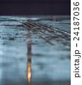雨 道 路面の写真 24187036