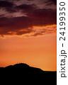 内陸部の夕焼け(北海道手稲山のシルエット) 24199350