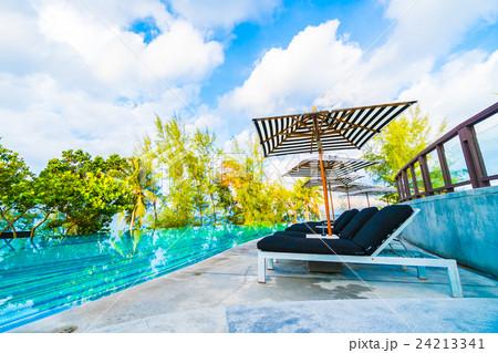 Outdoor swimming poolの写真素材 [24213341] - PIXTA