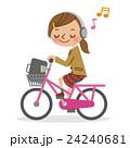 ヘッドフォンで音楽を聴きながら自転車を運転する女子生徒 24240681