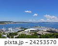 江ノ島ヨットハーバーと相模湾 24253570