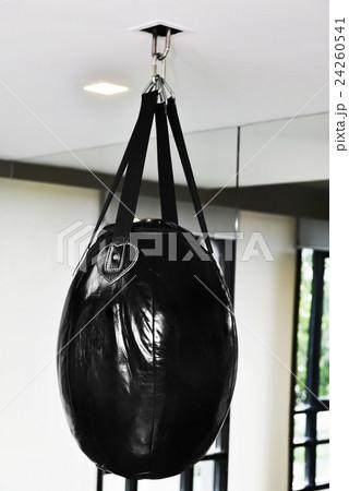 Punching bag in gymの写真素材 [24260541] - PIXTA