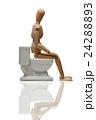 トイレに座るデッサン人形 24288893