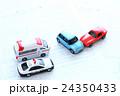 自動車 ミニカー 自動車事故の写真 24350433