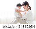 赤ちゃん 親子 お母さんの写真 24362934
