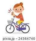 自転車に乗りグッドサインをする女性 24364740