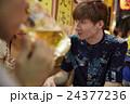 外国人 カップル 訪日の写真 24377236