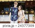 外国人 カップル 観光客の写真 24377309
