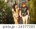 外国人 カップル 観光客の写真 24377383