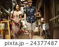外国人 カップル 旅行者の写真 24377487
