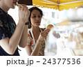 谷根千観光する外国人 煎餅屋 24377536